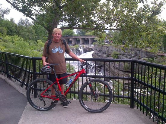 RentABike: Me with my Off Road Rental ... very Canada Day red. Love it