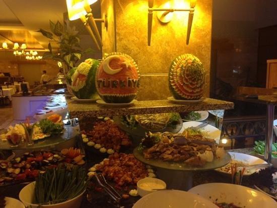 Fantasia Hotel De Luxe Kusadasi: food