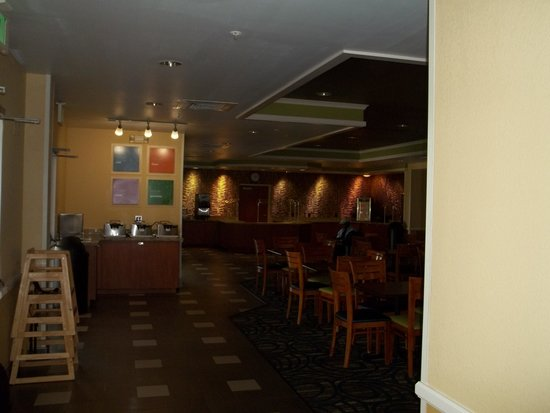 Comfort Suites Downtown: Breakfast area