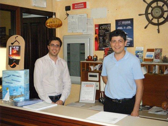 Hotel Kalos: Een deel van de geweldige staf