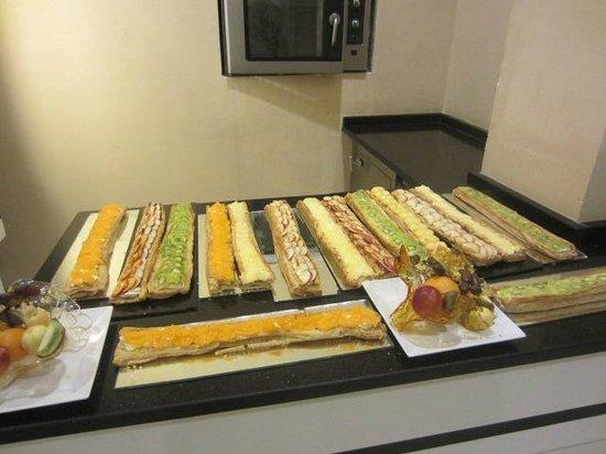 Royal Kenz Hotel Thalasso & Spa : Pâtisserie