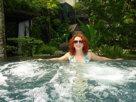 Siloso Beach Resort Sentosa: Бассейн с джакузи.