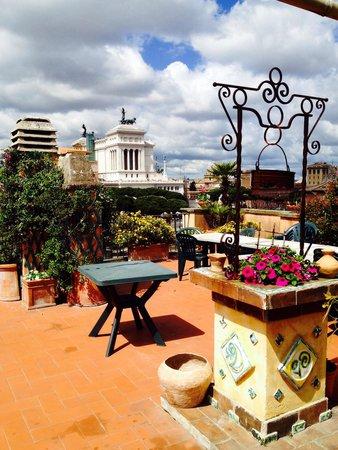 Residenza Maritti: Pretty terrace