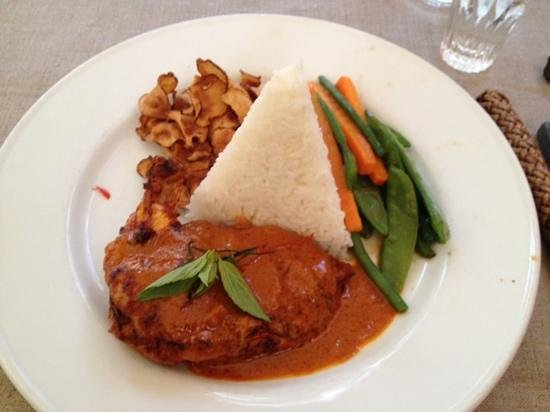 Khun Juk Oriental: red curry chicken