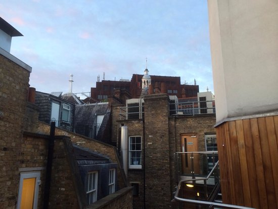 The Z Hotel Soho: View to the rooftops of Soho