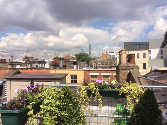 The Z Hotel Soho: Rooftop terrace with seats - great 360' panoramic views