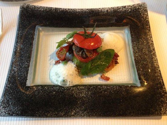 La Table de Chaintré : Le farci d'escargots et differentes tomates confites