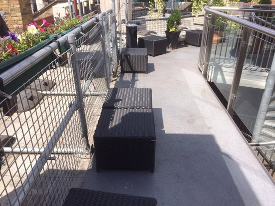 The Z Hotel Soho: Rooftop Terrace - never saw anyone else up here - ooooh! Our own private roof terrace! Ha ha