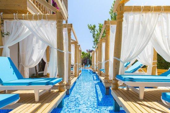 The Elixir : over water sun beds