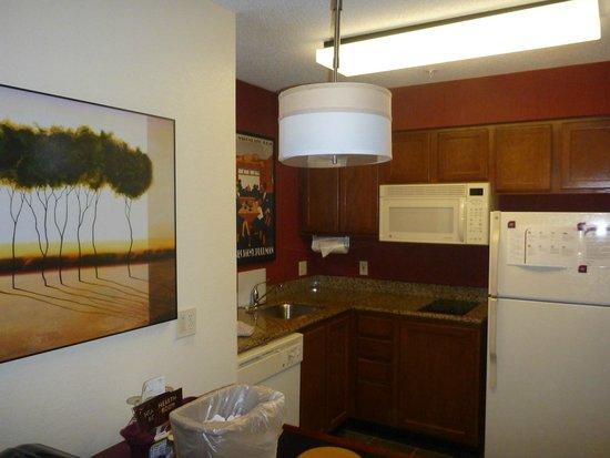 Residence Inn Cranbury South Brunswick: kitchen