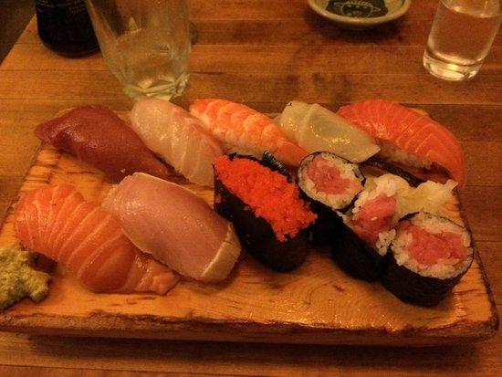 Tomoe Sushi: Sushi platter