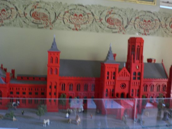 Smithsonian Institution Building : Small model of the Building