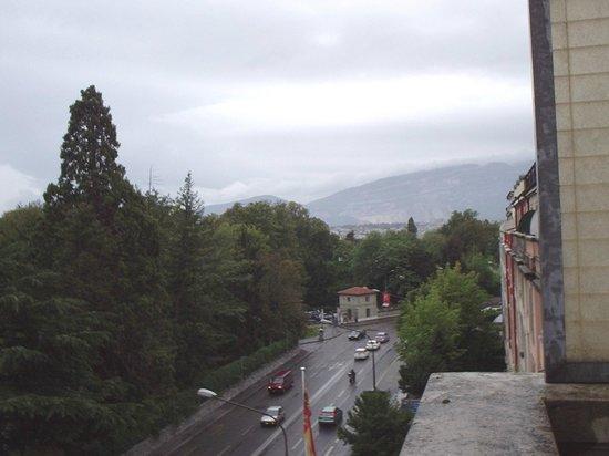 Hotel Mon-Repos : vista da janela do meu  quarto