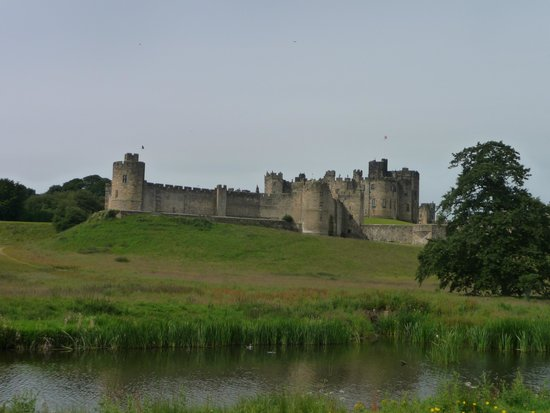 Coquet Cottages: Alnwick Castle from the riverside walk