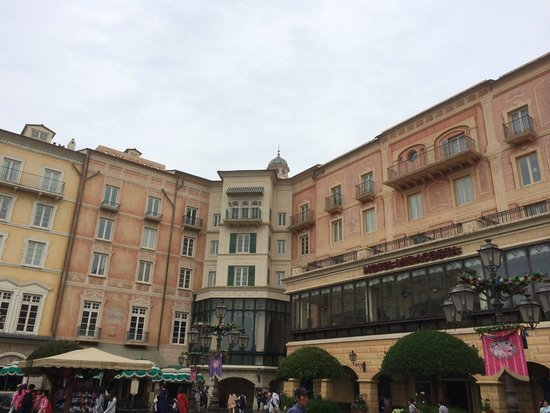 Tokyo DisneySea Hotel MiraCosta: exterior Porto Paradiso Harbour View side