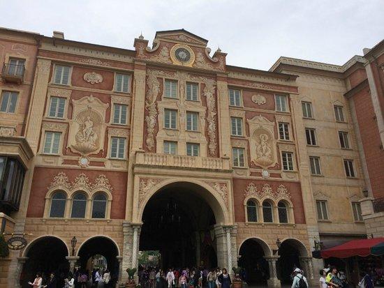 Tokyo DisneySea Hotel MiraCosta: One of many exteriors of hotel on Porto Paradiso side.