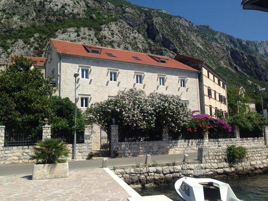 Palazzo Radomiri Hotel: View from the 'beach'