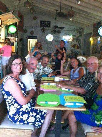 Corsairs Beach Bar & Restaurant: Fun with friends at dinner