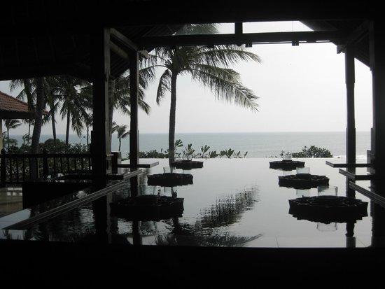 Pan Pacific Nirwana Bali Resort: Ocean view from lobby