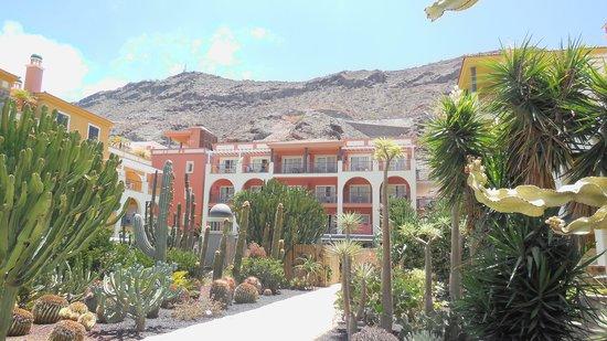 Cordial Mogan Playa: Blocks E, F & G rooms overlooking spa