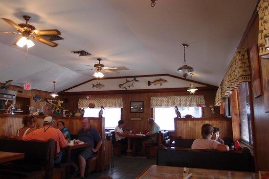 Island Cafe: inside