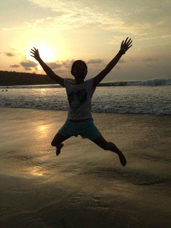 Jimbaran Bay : Sunset di pantai jimbaran