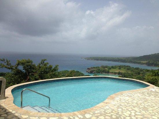 Caribbean Dawn : CD Pool - Afternoon
