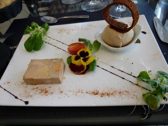 Bistrot de France : Terrine de foie gras de canard marbré et sa boule de pain d'épices glacé