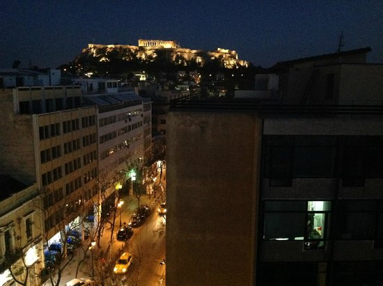Attalos Hotel: Night time view from the rooftop bar