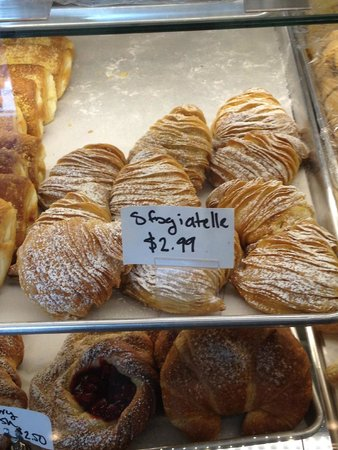 La Casa Del Pane: I cannot make out the name, but this was an excellent pastry!