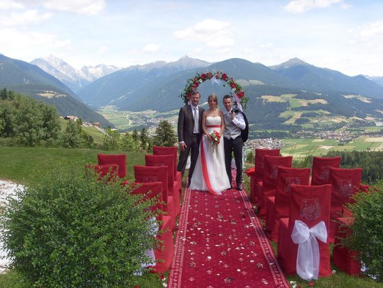 Bärenhotel: allestimento giardino per matrimonio