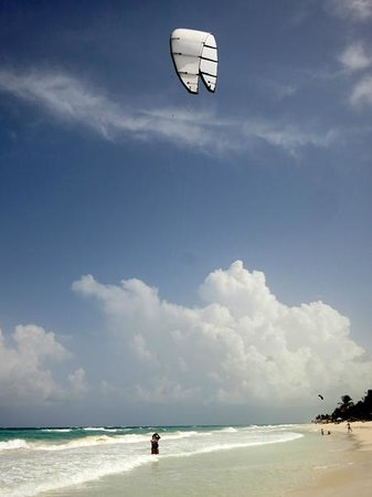 Las Ranitas Eco-boutique Hotel: Nearby there is a kite surfing school