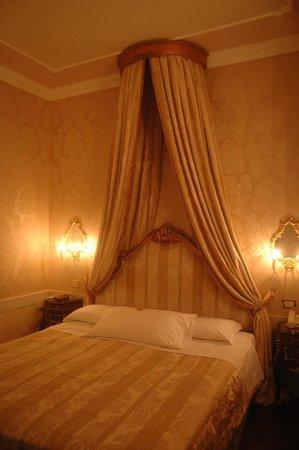 Hotel Canal Grande: Chambre Goldoni