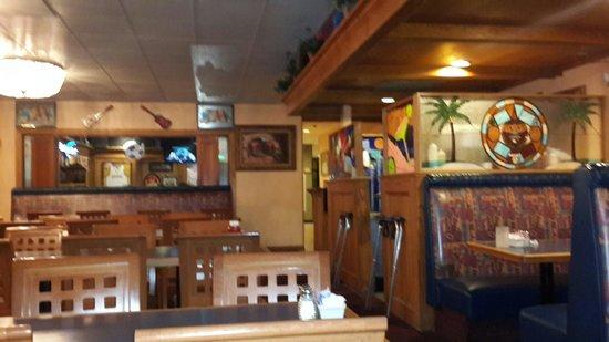 Quality Inn On Historic Route 66: Ресторан прост, но голодным не будешь