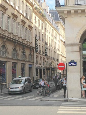 Hotel Cambon: street view