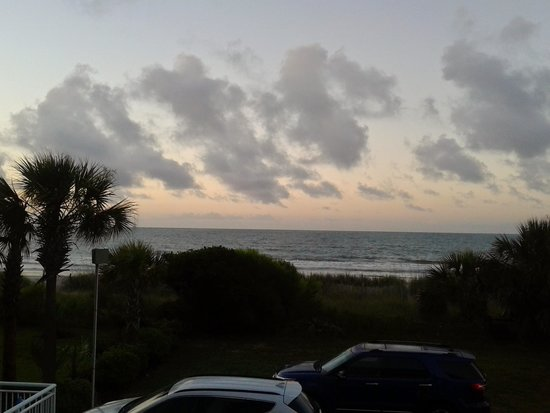 Super 8 Myrtle Beach/Ocean Front Area: early morning on the balcony
