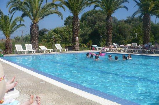 Morfeas Hotel: Pool Area