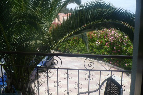 Morfeas Hotel: Balcony view