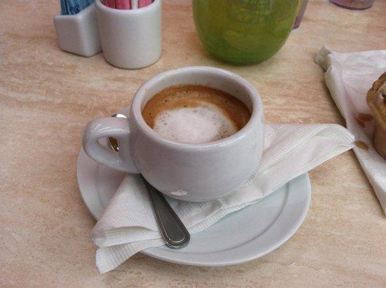 Caffe Prego : Macchiato and gelato!