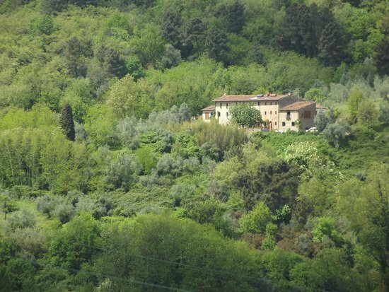 Agriturismo I Pitti: A view on a house from a nearby village