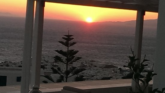 Alkyon Hotel: just one of many sunsets