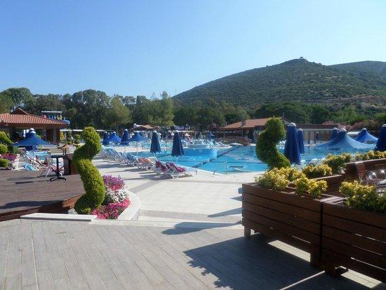 Kustur Club Holiday Village : La piscine d'animation