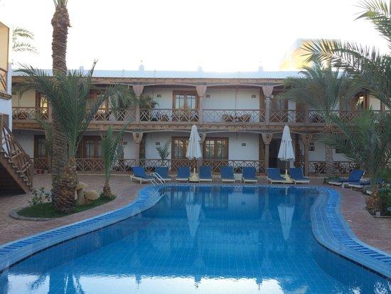 Acacia Dahab Hotel: Hotel/pool area