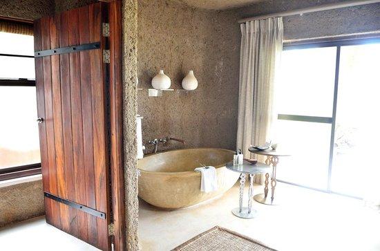 Sabi Sabi Earth Lodge : Salle de bain
