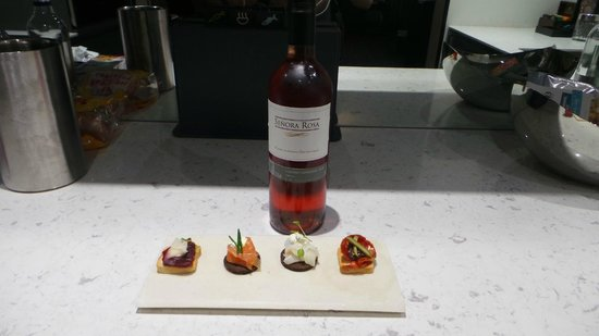 The Chester Residence : Canapés et vin dans le pack honeymoon
