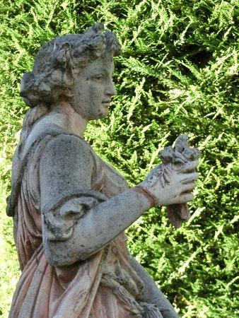 Villa Gallici: Sculpture