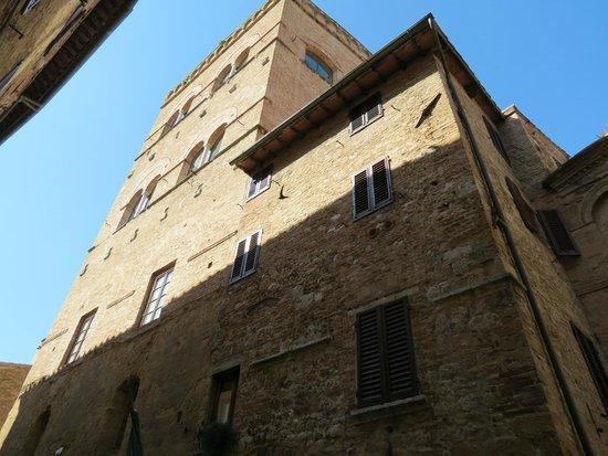 Appartementi Casa la Torre - Nomipesciolini: La Torre Nomipesciolini
