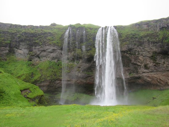 Icelimo Luxury Travel : Seljalandsfoss