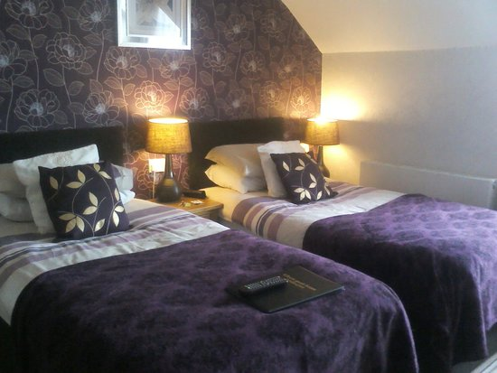 The Kilburn: twin room on top floor