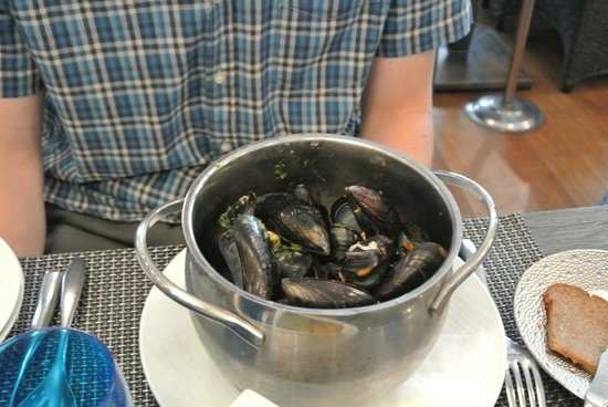 Le Bar a Huitres Saint-Germain : Main course - Mussels